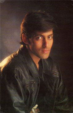 Salman Khan - Google+ Salman Khan Young, Salman Khan Photo, Shahrukh Khan, Salman Khan Quotes, Salman Khan Wallpapers, Surya Actor, Movie Teaser, Karisma Kapoor, Vintage Bollywood