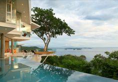 Eine erstaunliche tropische Villa mit einem atemberaubenden Patio  - http://wohnideenn.de/exterior-design/08/erstaunliche-tropische-villa.html  #ExteriorDesign