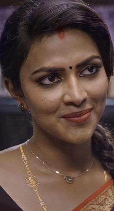 Indian Natural Beauty, Indian Beauty Saree, Cute Beauty, Beauty Full Girl, Beauty Girls, Beauty Women, Indian Actress Images, Samantha Photos, Grace Beauty