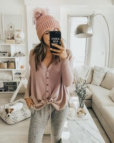 See Kendall jenner outfits, Jenners removes Celebrities styles. Sunday Outfits, Chill Outfits, Casual Outfits, Lazy Winter Outfits, Casual Sunday Outfit, Night Outfits, Fashion Outfits, Kendall Jenner Outfits, Kylie Jenner