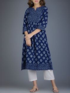 Indigo hand block printed khadi kurta in box pleated style! Inbox/whatsapp for details. Simple Kurta Designs, Kurta Designs Women, Salwar Designs, Kurti Designs Party Wear, Long Dress Design, Dress Neck Designs, Designs For Dresses, Blouse Designs, Kurtha Designs