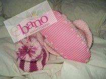 Escarpín tejido con forma de pantufla con suela color rosa (Knit baby booties slipper shaped with foamy sole, color pink)