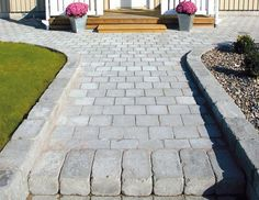 Mind-blowing photo - go and visit our post for much more designs! Garden Paving, Garden Steps, Terrace Garden, Outdoor Walkway, Front Walkway, Paver Walkway, Esstisch Design, Stone Path, House Front