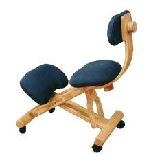 La silla ergonómica de Fustaforma es mucho más que una silla de ordenador con apoyo para las rodillas. La suave pendiente de su superficie de asiento incita a sentarse en la mejor postura lumbar, ayudando a un descanso más efectivo de la columna vertebral, un desahogo abdominal y un despeje torácico. Es perfecta para sentarse de la forma más saludable para nuestro organismo y para una buena educación postural. Puedes utilizar la silla en 4 posiciones diferentes, cambiando de una a otra de…