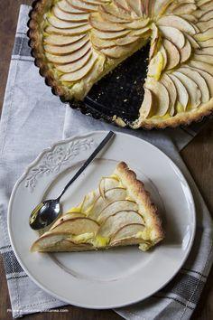 Crostata di mele al profumo di rosmarino