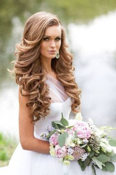 Beautiful and easy wedding hairstyle for long hair 15