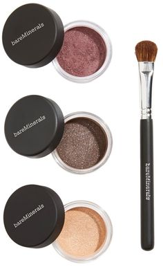 How to use: First blend 'Luster' eyecolor all over the lid, from lash to crease with the contour shadow brush. Then apply 'Wearable Plum Medium' into the crease for definition. Finish off by lining the upper and lower lash lines with 'Plush.'