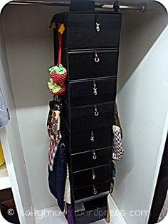 Handbag organizer using Skubb
