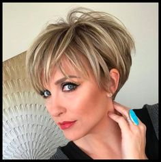 There is 69 Seriously Cute Haircuts for Short Hair today in our boards. 69 Seriously Cute Haircuts for Short Hair maybe will be your best pin ideas for today. Lets read more and enjoy. Bob Haircuts For Women, Cute Haircuts, Best Short Haircuts, Cute Hairstyles For Short Hair, Short Stacked Haircuts, Fresh Haircuts, Hairstyles 2018, Pixie Bob Hairstyles, Short Feminine Haircuts