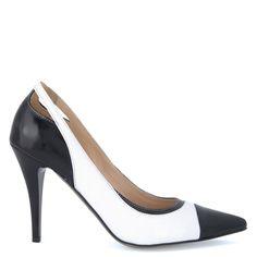 36686d3396 A(z) Cipők nevű tábla 24 legjobb képe | Womens high heels, Bootie ...