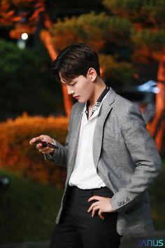 Korean Star, Korean Men, Handsome Actors, Handsome Boys, Asian Actors, Korean Actors, K Pop, Romantic Doctor, Best Kdrama