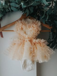 Custom rompers for photographers and first birthdays Cute Baby Dresses, Flower Girl Dresses, Baby Tutu Tutorial, Baby Outfits, Kids Outfits, Baby Girl First Birthday, Children Photography, Kids And Parenting, Christening