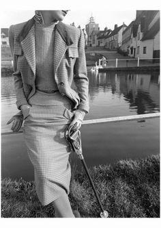 Vogue February 1951 Photo Norman Parkinson