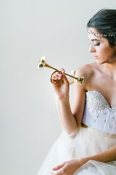 Glamourous wedding inspiration by Lady Evenlyn | Photo by Anthem photography | Read more - http://www.100layercake.com/blog/?p=82849