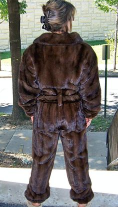 Sorry but this is a horrible look. I would not wear it but to each his own!