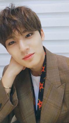 "IRRESISTIBLE⚡️민규 on Twitter: ""오늘도 민규덕분에 너무 행복했다🥰 민규의 디너쇼도 잘 봤고~ bgm도 딱이야,, 너무나 잘 생겨서 진짜로 cant take my eyes off of you🥺😆 고마워 3000만큼 사랑해🖤… "" Mingyu Wonwoo, Seungkwan, Woozi, Seventeen Scoups, Mingyu Seventeen, Kim Min Gyu, Your Boyfriend, Boyfriend Material, K Idols"
