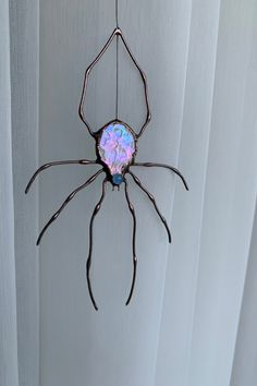 The Stained glass Spider is a great gift for your friends, family, loved ones as well as yourself. Just imagine how the Spider sun catcher sugar-coats the window or will be a great decor for your garden. Stained Glass Ornaments, Stained Glass Suncatchers, Faux Stained Glass, Stained Glass Designs, Stained Glass Projects, Stained Glass Patterns, Stained Glass Windows, Mosaic Glass, Mosaic Mirrors