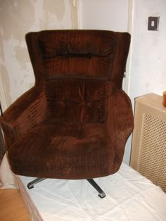 Taurus swivel chair in chocolate corded dralon!