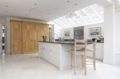 Bright, White and Airy Kitchen in Barnes - Humphrey Munson 1
