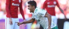 Palmeiras quebra tabu no Sul,  vence o Inter e se mantém na liderança