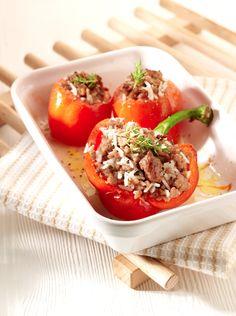 Gevulde tomaten en paprika's http://njam.tv/recepten/gevulde-tomaten-en-paprikas