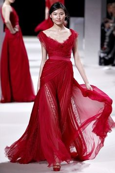 Dress from book cover - Everneath. Links to Goodreads page.