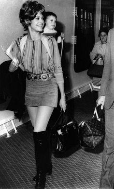 Jane Fonda and her daughter Vanessa arriving in Le Havre airport, June 1969.