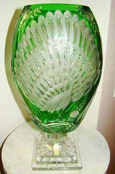 Imperlux Emerald Green Signed Cut to Clear Cameo Peacock Crystal Vase 14 Crystal Glassware, Crystal Vase, Cut Glass, Clear Glass, Glass Bottles, Glass Vase, Sunflower Kernels, Glass Craft, Bottle Art