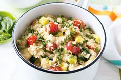 Italian vegetable risotto A slight citrus tang balances out this creamy vegie-packed risotto. Vegetarian Italian Recipes, Clean Eating Vegetarian, Vegetarian Meals For Kids, High Protein Vegetarian Recipes, Veggie Recipes, Cooking Recipes, Easy Recipes, Veggie Meals, Amazing Recipes