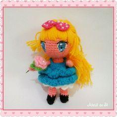 """Bonequinha estilo chibi apresento- lhes a """"Lola"""" ☺ toda gracinha para alegrar sua tarde.  #ateliedaje #artesanato #toy #organictoys #handmade #bonecadsecrochê #doll #dollamigurumi #amigurumi #amigurumicrochet #crochet #crochê #foradeserie #meuaetesanato #feitopormim #feitoamão #crocheting #mycrochet #chibi #kawai #babytoys #brinquedodemenina"""