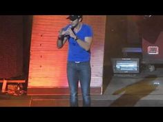 Luke Bryan - Country Girl (Shake It For Me) live Xcel Energy Center 2/17/2012