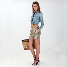 Shorts cargo in cotone modello Evita con stampa floreale. - Masons