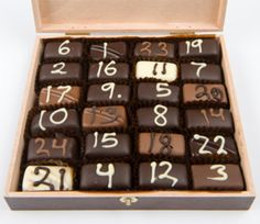 Make your own Advent Calendar with these ideas!====NOT JUST CHRISTMAS, pick your reason and run with it