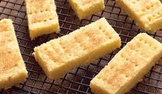 A buttery and delicious shortbread recipe from Mary Berry. The secret ingredient is semolina for that extra crunch! Finish with a sprinkle of demerara sugar. Food Cakes, Tea Cakes, Homemade Shortbread, Shortbread Recipes, Mary Berry Shortbread, Shortbread Biscuits, Shortbread Cake, Homemade Breads, Baking Recipes