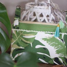 lydie.thomas62340 Mais on ne m'arrête plus😉 encore un cadeau 🎁 un joli sac à main super pratique, aux couleurs exotiques.... c'est le patron « cha-cha-cha » de la marque Sacotin réalisé en recyclant une housse de coussin #sacotin #cestmoiquilaifait #jecoudsdoncjesuis #faitmains