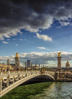 Pont Alexandre III de lumirique est la Photo du Jour! - https://fotoloco.fr/photo-detail/?id=127359 - Un des plus beaux ponts de Paris, si ce n'est le plus beau ! fotoloco.fr: Cours Photo gratuits et Concours Photos.  Une communaute de 27,000 passionnes!