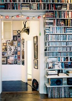 Creative Bookshelf design for wall of home