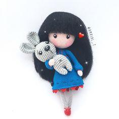 WIP hoy es obligatoria la foto de un conejito!! Qué os parece?  Happy Easter!!!  #amigurumi #amigurumis #ganchillo #amigurumidoll #crochet #crochetdoll #crocheting #instacrochet #crochê #weamiguru #craft #handmade #handcraft #easter #doll #toy #あみぐるみ #игрушкикрючком #амигуруми #häkeln #letekipoki #amrial_t #كروشيه #rajutan #人形 #かぎ針編み  #娃娃 #코바늘인형 #galicia #gorjuss by amrial_t