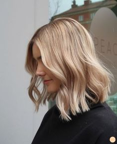 Blond praise and how to hold bait - Peach Stockholm- # blond . - Blond Praise and How to Hold Bait – Peach Stockholm # Blondes - Blonde Hair Looks, Brown Blonde Hair, Blonde Lob Hair, Long Bob Blonde, Medium Blonde Hair, Blond Hair Colors, Shoulder Length Hair Blonde, Blonde Hair No Makeup, Blonde Color
