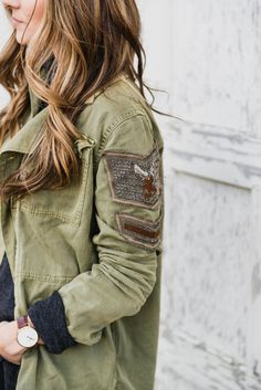 A casual fall look styling a cargo jacket with Frye boots   Fall Fashion Tips   Fall Style Ideas   How to Dress for Fall   How to Style a Cargo Jacket   How to Style Frye Boots   Cargo Jacket Fashion Tips   Frye Boot Fashion Tips    Lauren McBride