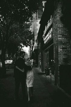 Ideas For Photography Couples City Kiss