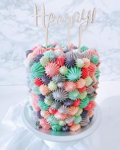 15 Beautiful Cake Designs that Are Out of This World 15 wunderschöne Kuchen-Designs, die nicht Beautiful Cake Designs, Beautiful Cakes, Amazing Cakes, Fancy Cakes, Mini Cakes, Cupcake Cakes, Wilton Cakes, Cupcake Cake Designs, Cupcake Frosting