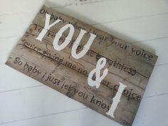 Houten wand bord met songtekst YOU &I van Anouk