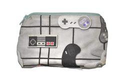 Geek gamer geekery game pad controller NES Nintendo small bag (6.50 EUR) by CemeeCrafts