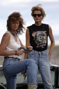 As they celebrate the anniversary of their groundbreaking film, Thelma & Louise, Geena Davis and Susan Sarandon reflect on feminism, Hollywood, Susan Sarandon, Geena Davis, Thelma Louise, Thelma And Louise Movie, Beautiful Celebrities, Beautiful People, Odette Et Lulu, Movie Stars, Movie Tv