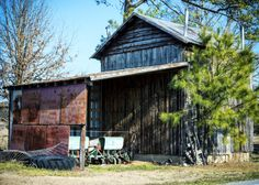 #northcarolina #barns can be found dotting the landscape of rural roads and byways. These are a few of my project to document them all. Appreciate the #farm and #tobacco history of the state.