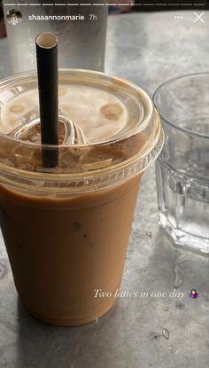 Coffee And Books, Coffee Love, Iced Coffee, Coffee Drinks, Coffee Menu, Coffee Shop Aesthetic, Aesthetic Food, Beige Aesthetic, Coffee Pictures