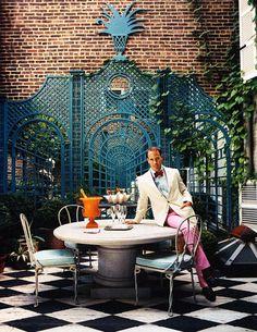 Miles Redd's fancy patio- follow us on www.birdaria.com like it love it share it click it pin it!!!!