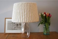 If you can knit a garter stitch, you can whip up this cool knitted lampshade.