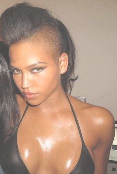 Start the new year off with a bold edgy look... By shaving the sides of your head off... All the hottest celebrities from Cassie to Kalis..
